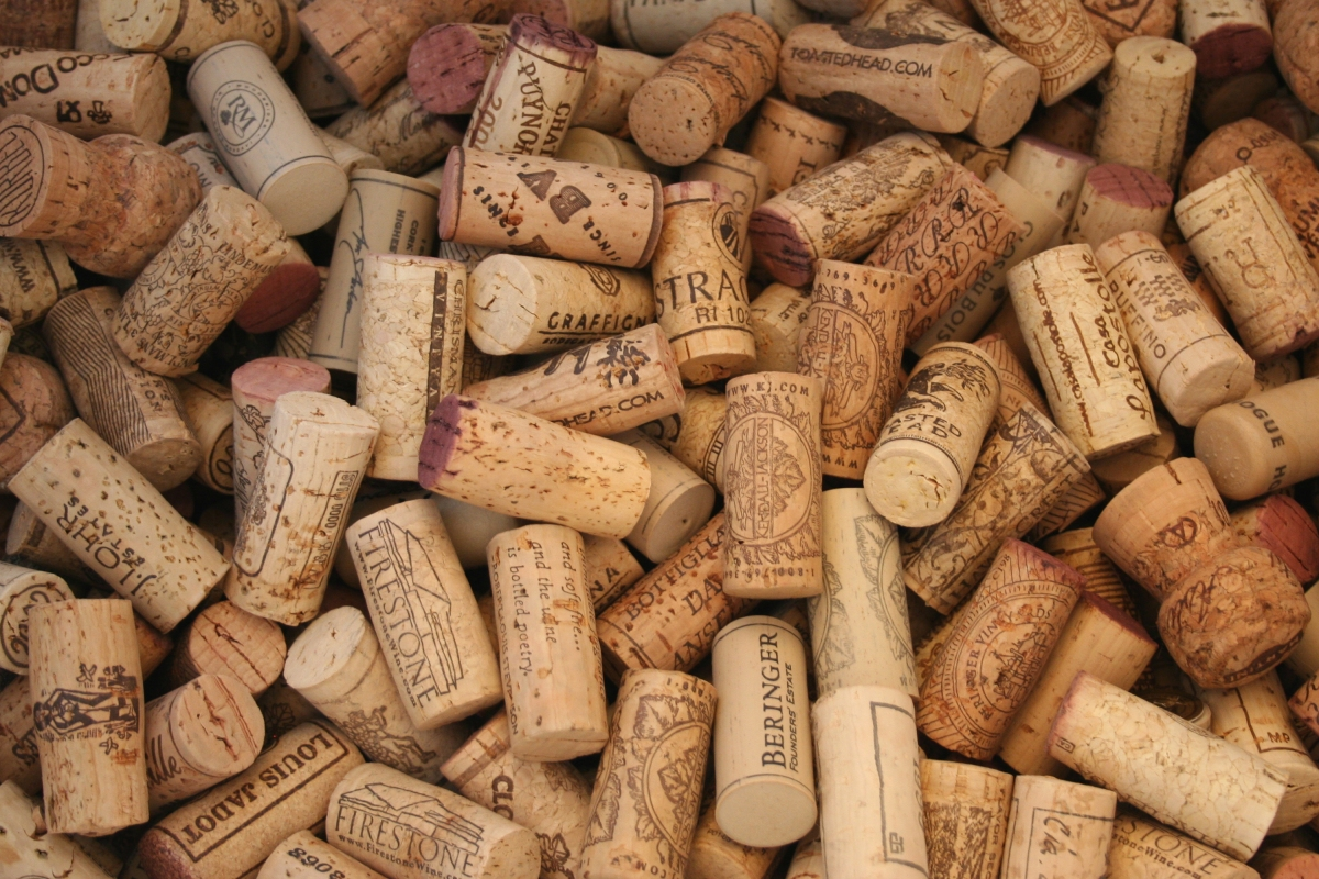 Cork versus screw cap don t dismiss the benefits of cork for Natural corks